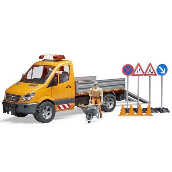 Kamion Bruder MB Sprinter sa zvukom i svetlom,znakovima i figurom građevinca 025373 - ODDO igračke