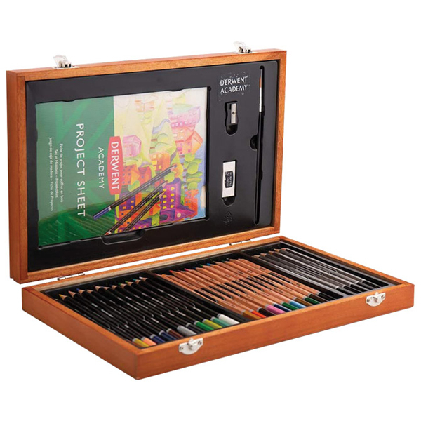 Set u drvenoj kutiji Boje drvene 12boja+12boja-Aquarelle+6 graf.olovaka Academy Derwent 2300147 - ODDO igračke