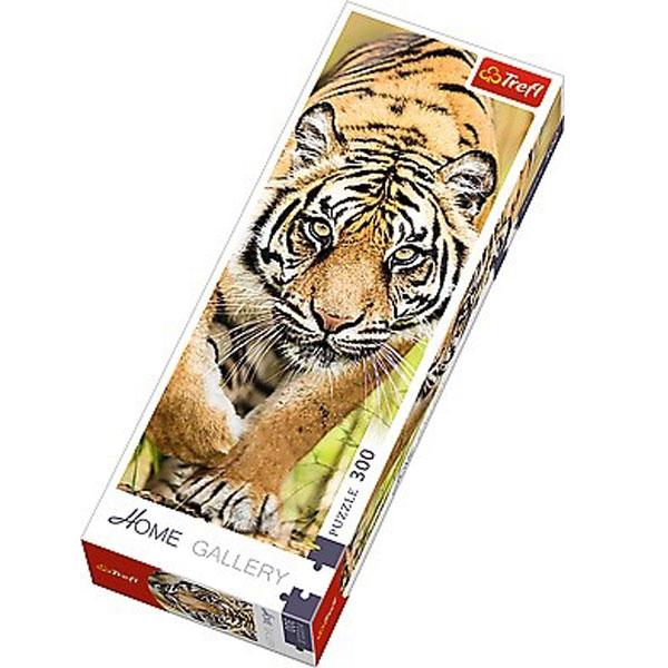 Trefl Puzzla Leaping tiger 300 panorama 75002 - ODDO igračke